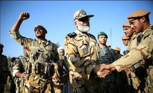 以色列猛轰之下,5万伊朗盟军快马赶到,叙将军:来的太及时
