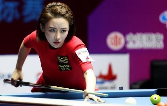 30岁女裁判吕帅希,因身材走红,三围完胜柳岩