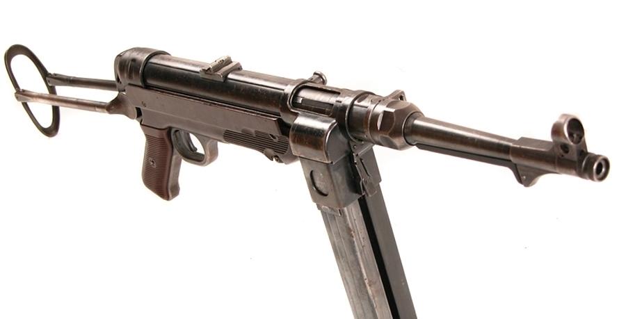 『弹匣井』被苏联波波沙打魔怔了吧?二战德军的双弹匣MP40是怎么回事儿?