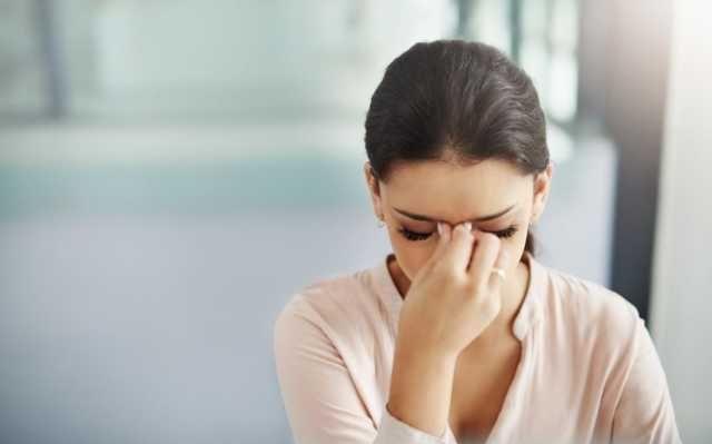 """不论男女,眼睛出现这种""""异常变化"""",小心身体缺乏维生素B12"""