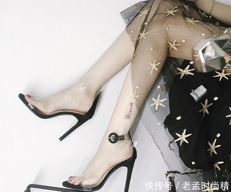 """女生没有一款高跟鞋怎么行? 试试最新款的""""高脚鞋"""", 无形中变高!"""