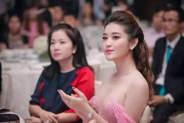 越南小姐阮陈玄眉 来看我 第4张