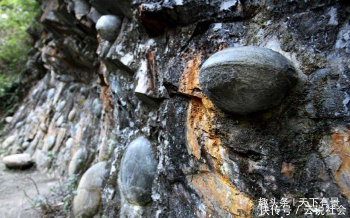 """""""下蛋""""的石头:贵州产蛋崖30年产一枚""""蛋"""",村民纷纷祭拜"""