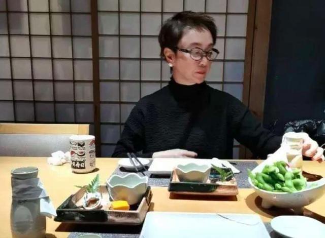 """55岁傅艺伟近照曝光,""""最美妲己""""如今却令人直呼:认不出"""