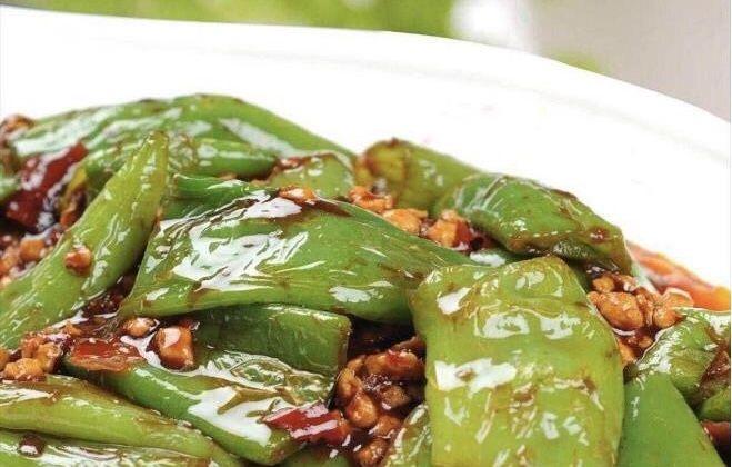 『炒菜』几道家常炒菜,辛辣爽口,油而不腻,特餐美味,全家人都很喜欢