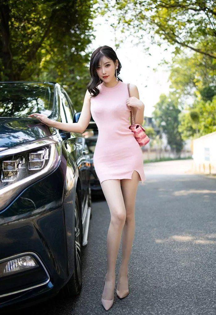 性感粉色包臀连衣小姐姐 修长的美腿太迷人 热点 热图2