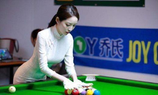 曾靠顏值一夜走紅,身材美貌不輸潘曉婷,26歲卻依然單身 熱點 熱圖3