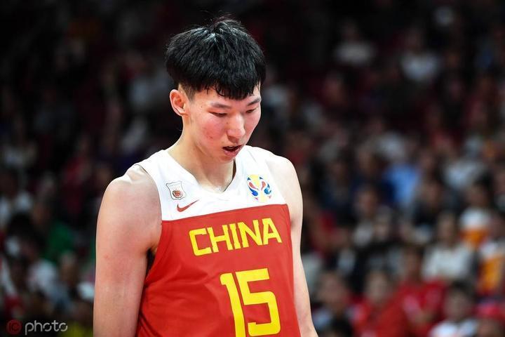 与中国足球相比,中国男篮还是有福气的