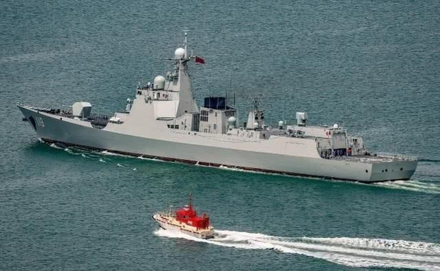 历史性画面:我军两型神盾舰052C长春舰与052D贵阳舰相会!
