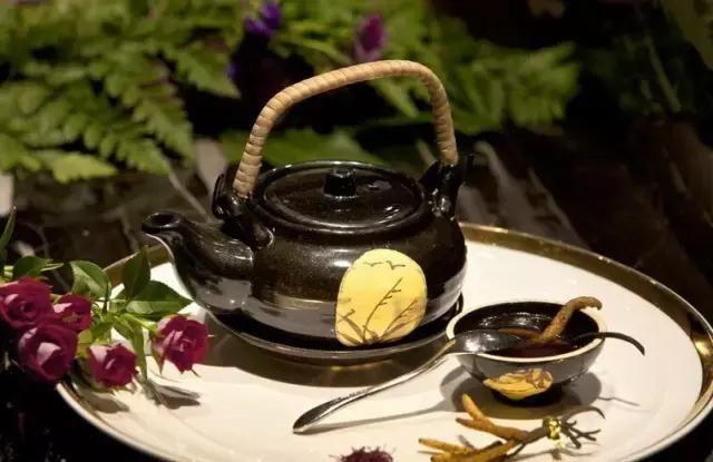 藏民解密准确的冬虫夏草的食用方法和用量,这样吃效果翻倍
