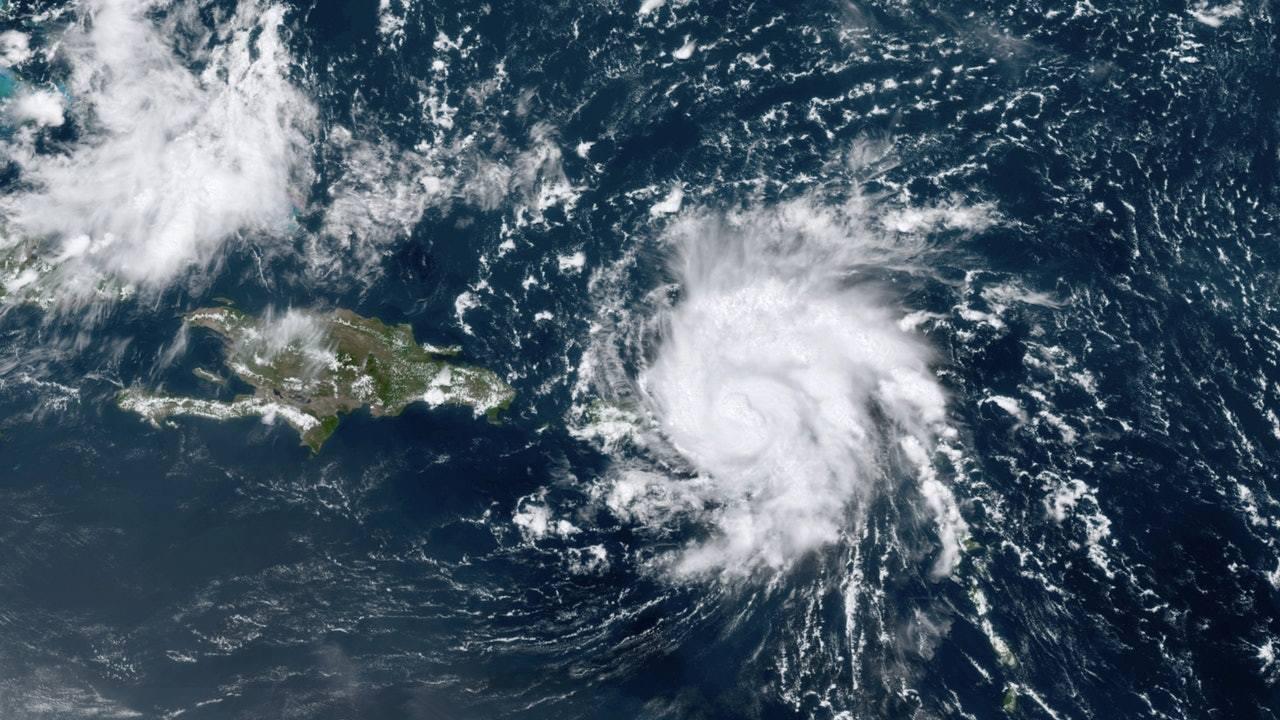 飓风多里安掠过加勒比海,料周末登陆美国佛罗里达州