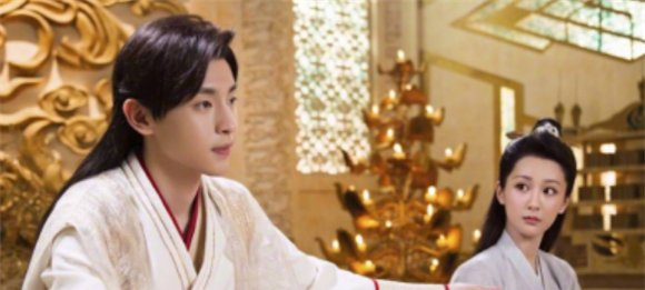 26岁的杨紫有5个身份,演员只是其中之一,最后一个才最厉害!