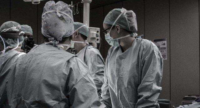 """剖腹产手术后,若想伤口快点好,试试这""""三招""""帮助伤口恢复!"""