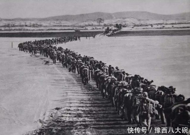 『志愿军』志愿军侦察兵找到撤退朝军问敌情 开口居然都是四野老战友