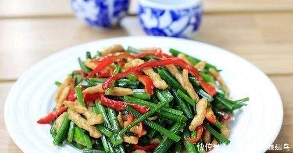 『至味』春天吃不油腻的家常菜很简单。如果你经常吃它们,它可以预防感冒
