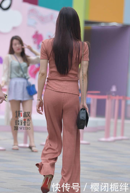 「 装做」集舒适和时尚于一身,时髦到不行!,街拍:用运动装做混搭