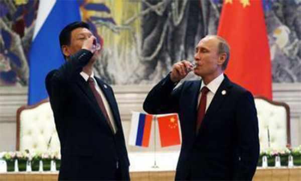普京配合中国发动最狠一击,美国转入防守!