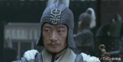 『战时』夷陵之战时,陆逊追杀刘备,为何看到一白袍老将转身就跑