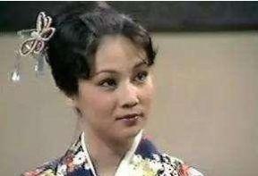 她被称为最美黄蓉,却嫁给了藉藉无名的丈夫,一生无悔