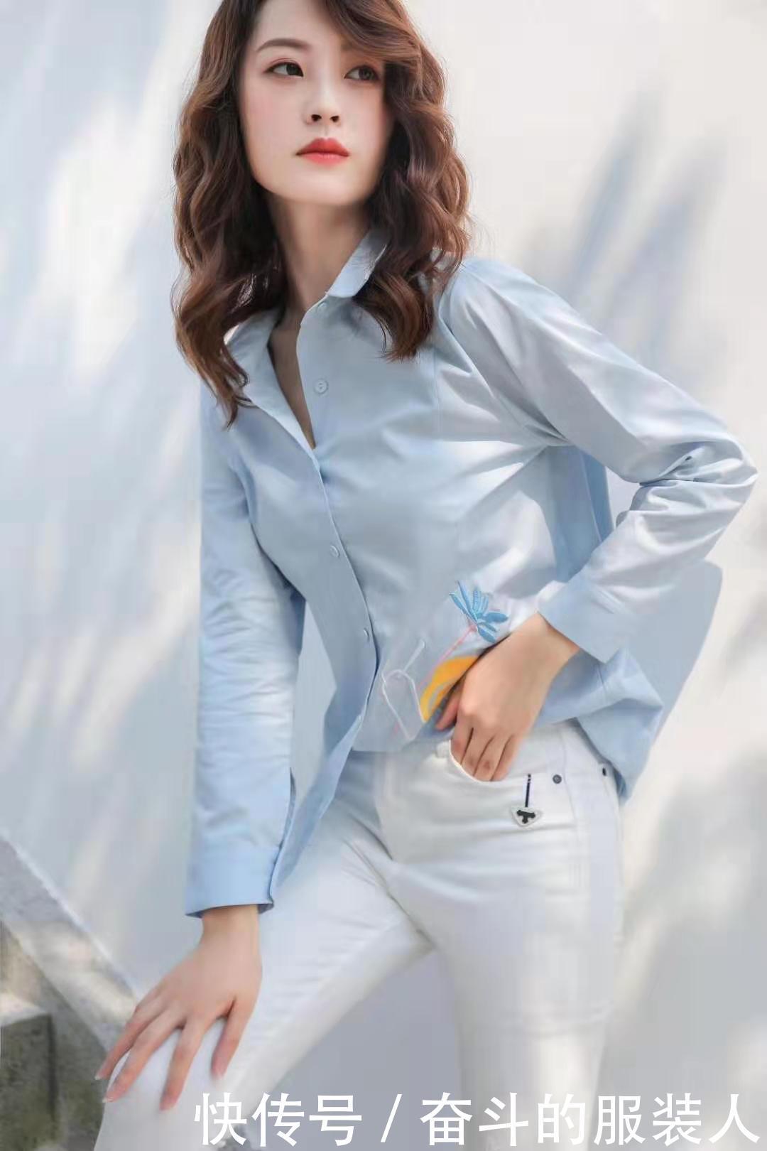 依沐瑶女装加盟(原创设计师女装品牌)汇集简欧、潮牌、森系三大风格一家衣王雨