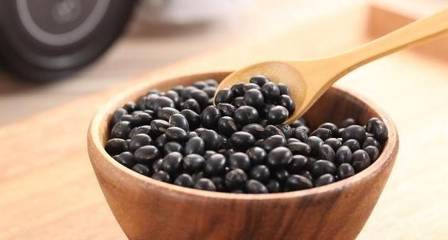 『黑豆』补药一堆,不如黑豆一把,常吃黑豆,4个好处可能与你结缘!