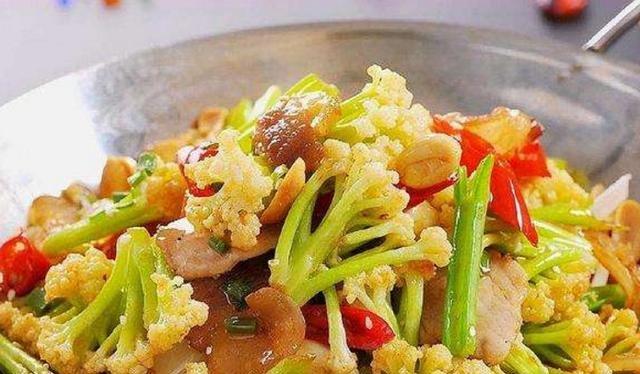 #轻松#干锅花菜在家轻松做,经济实惠无需出门,孩子们特爱吃