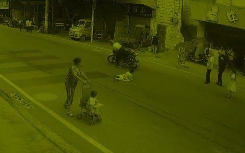 责任 长寿一女童横穿马路被撞 事故双方负同等责任