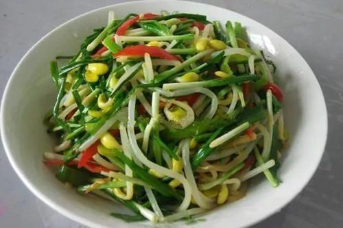 脆爽:这道菜,脆爽、鲜嫩口感好,常吃软化血管,增食欲