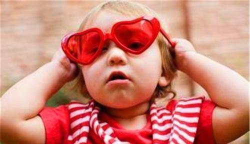 """【做事情】心理学家:喜欢""""蓝色""""和喜欢""""粉色""""的孩子,性格截然不同"""