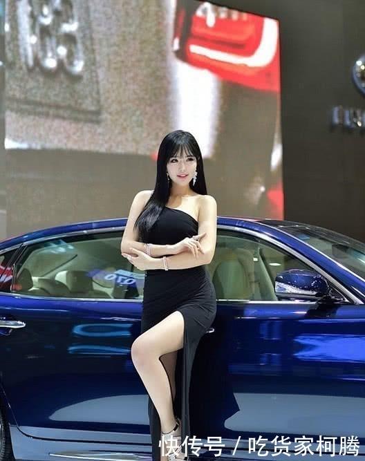 『展露』雪铁龙车模穿开叉长裙,展露性感美腿,尽显成熟女人气息