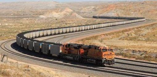 世界上最长的火车,全长7.3公里,共有682节车厢