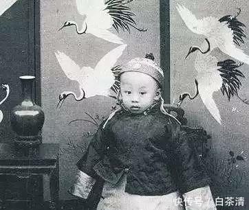 清朝奶娘有2个规矩:每天必须吃猪肘子,另一个规矩毫无人性