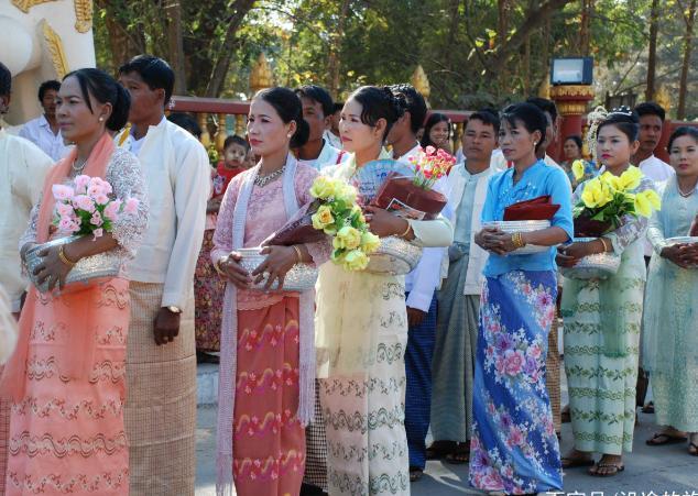 去缅甸旅游,1000元人民币可以兑换22万缅甸币,能干什么事情?