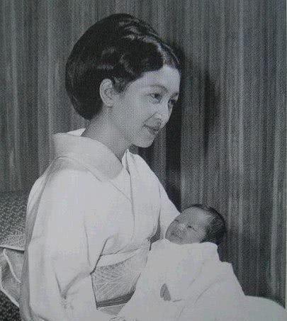 日本最美皇后的婚后生活凄凉