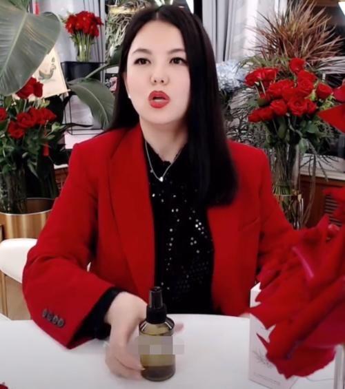 李湘不露面疑似退出娱乐圈?