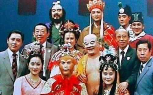西游记骗了观众33年,原来龙宫是这么拍出来的,真是难为导演了