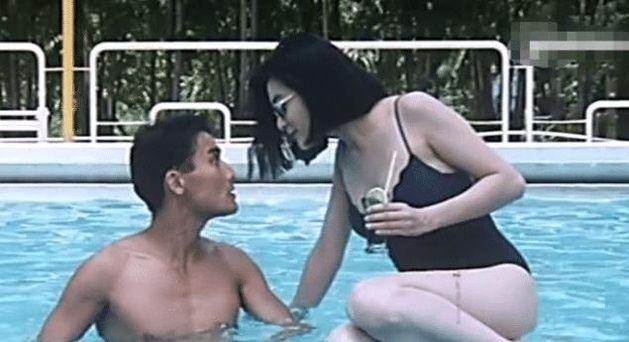 关之琳巅泳装剧照,终于明白啥叫女人味插图(1)