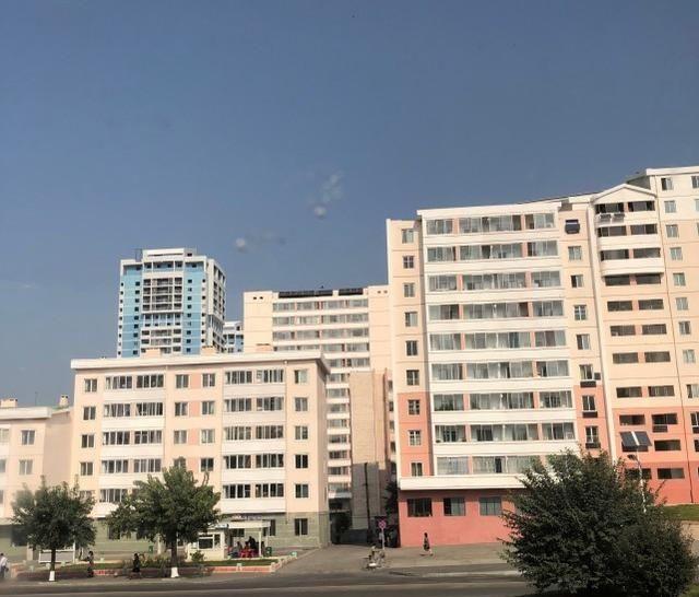 朝鲜印象:平壤街头什么店铺比较多?