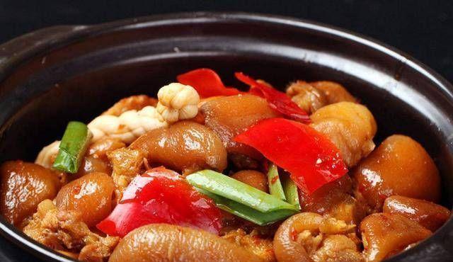 「料酒」亮点:凉拌菠菜、香菌猪脚锅、苦瓜炒鸡蛋的做法