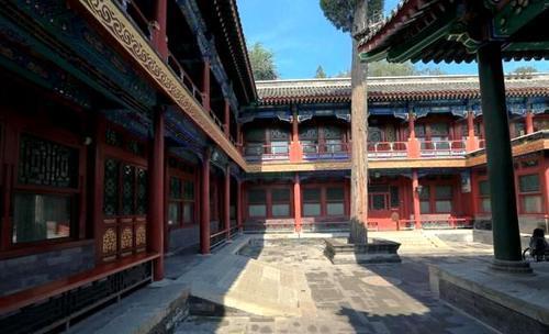 北京唯一没有高楼大厦的地方,虽然都是小矮房,但的确是住不起!