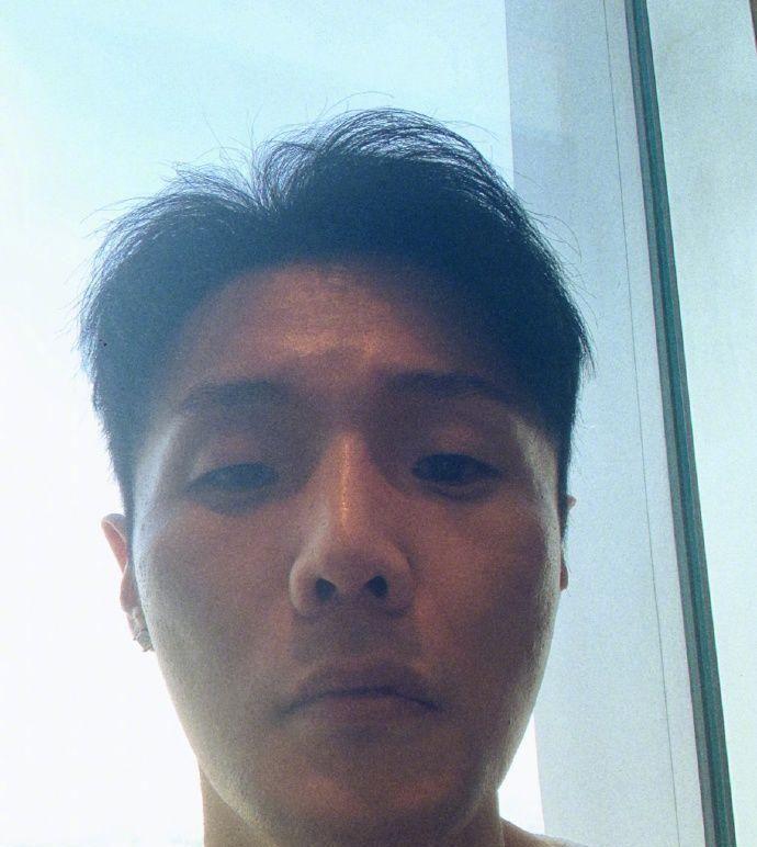 李荣浩自称是丑界救星 还有部分狗猫都像我