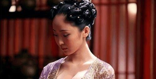 宋朝蔡京的儿子出征前,只求皇上赏他两人,皇上听后场面十分尴尬