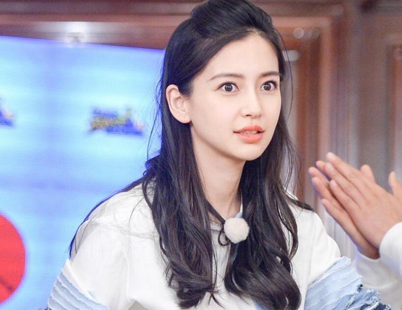 『转身』继《跑男8》之后,杨颖又转身官宣新综艺,光看阵容就必追了!