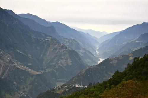 """云南深山有个村庄,风景秀丽盛产茶叶,被称为""""中国最美村镇"""""""