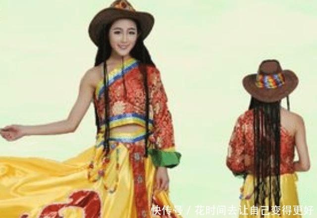 藏族人为什么要把右胳膊露出来?不怕冷吗?看完长见识了