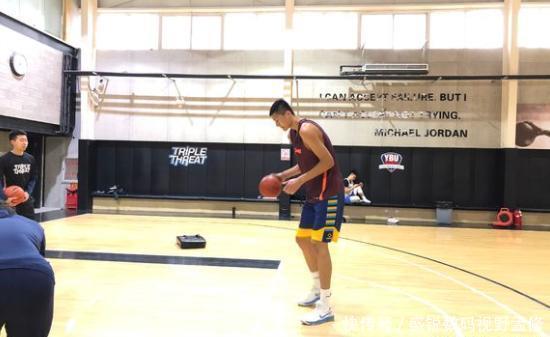 [热文]新疆男篮签下2米23大中锋或成冲击CBA总冠军的秘密武器