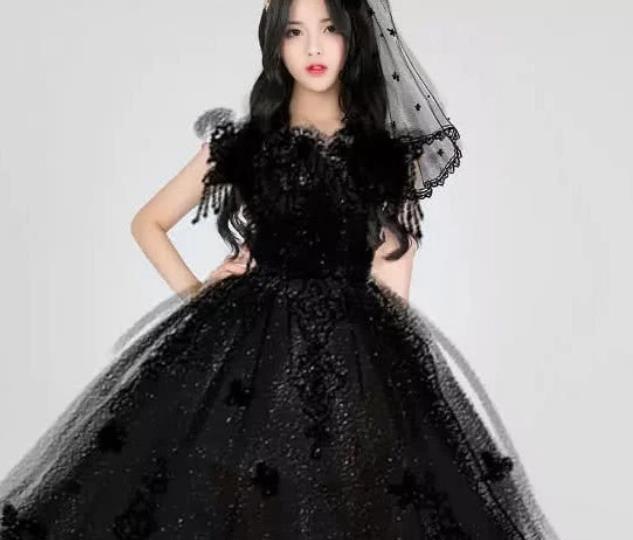 """火箭少女101集体穿婚纱,看清""""新郎""""是谁后,粉丝也动心了"""