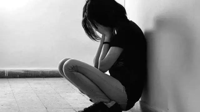 长期这样等于慢性自杀?抑郁型人格最易患癌