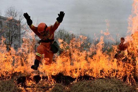 伊犁森林消防支队:厉兵秣马 打响春防保卫战