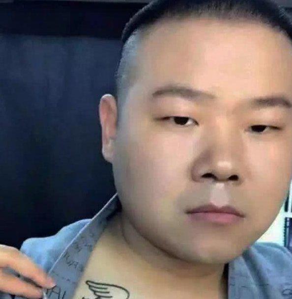 刘德华纹身霸气,撒贝宁纹身感人,只有小岳岳纹身是砸场子的!